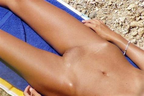 French nude beach & Female public nudity