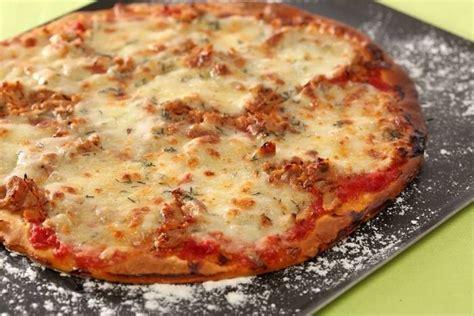 cuisine replay recette de pizza au thon et à la mozzarella facile et rapide