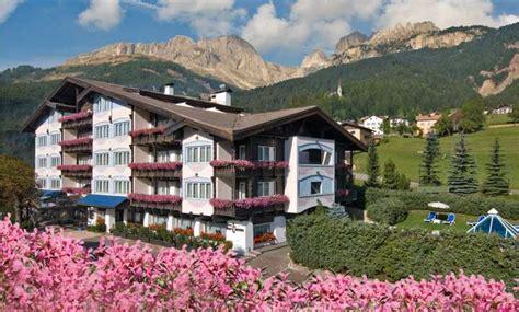alpen hotel corona sport wellness  val  fassa