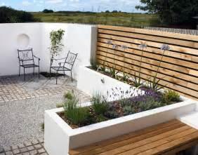 balkon holzboden terrassengestaltung die terrasse schicker aussehen lassen