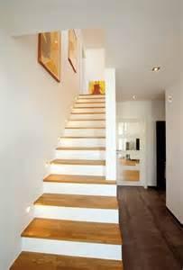 treppe bauen holz die besten 17 ideen zu treppen auf treppe wandfarben und galeriewand treppe