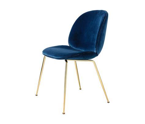 beetle chair by gubi beetle lounge chair beetle castor