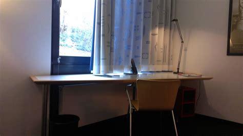 Schreibtisch Vor Fenster schreibtisch vor fenster schreibtisch vor fenster zimmer