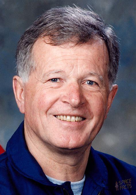 astronaut biography jean loup chretien