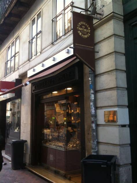 l atelier du chocolat chocolatiers shops 34 rue de la porte dijeaux h 244 tel de ville
