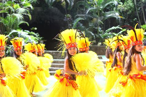 Discover Tahiti culture - Travel Weekly