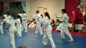 Taekwondo white belt testing (chong-gi form) - YouTube
