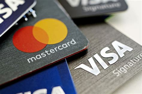 The credit card also asks for your date of birth, social security number, mother's maiden name, and driver's license number as part of its credit check. U.S. Credit Card Debt Closed 2018 at a Record $870 Billion - Bloomberg