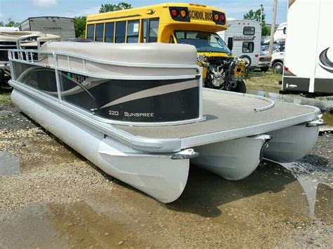 Boat For Auction Uk by Repossessed Boats For Sale Salvage Boats Auction