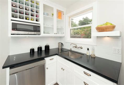 plain white kitchen cabinets 26 small kitchens with white cabinets designing idea 4255