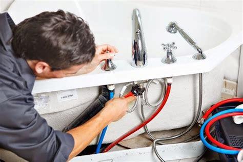 montare vasca da bagno montare la vasca da bagno idraulico fai da te come