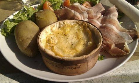 cuisiner mont d or recette fondue au mont d 39 or
