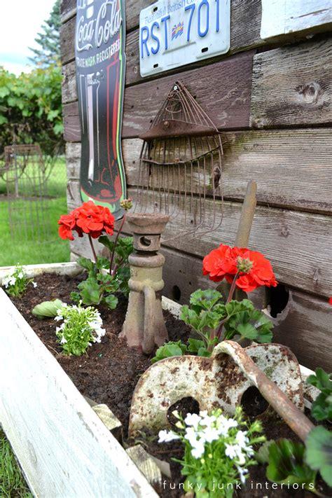 the backyard garden gets junkifiedfunky junk interiors