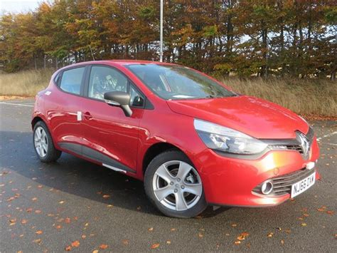 renault clio   play dr  sale  county