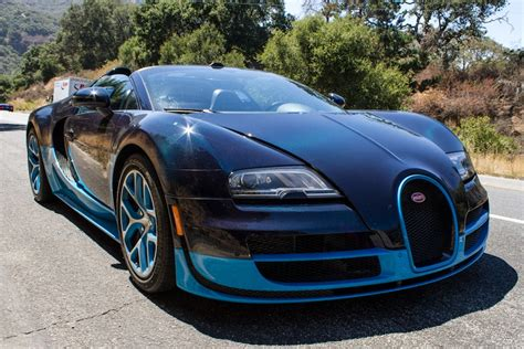 A Regular Guy Drives A Bugatti Veyron Supercar