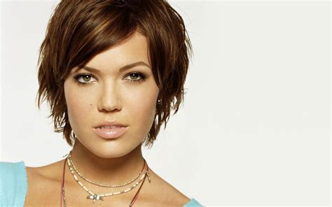 Mandy Moore Wallpaper How To Make A Big Bun Thin Hair Good Hairstyles For Guys With Straight Get Soft Curls Short Wavy Layers World Cup 3 Styling Wax Sally S French Long Mens Haircut 2016 Fade