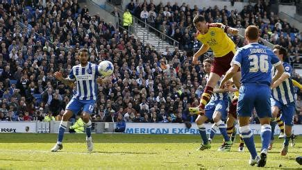 Michael Keane rescues point for Burnley against promotion ...