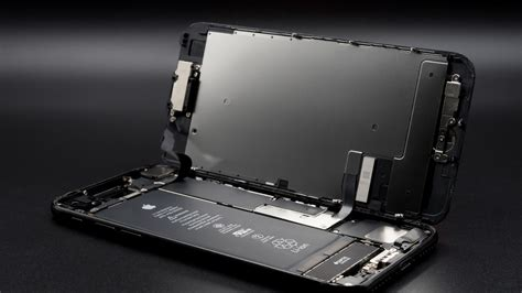 iphone  loop disease   epidemic motherboard