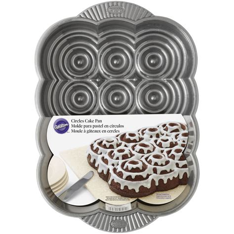 wilton cake pan apart pull cinnamon rolls bread 2105 sm