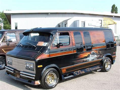 Chevrolet Van Custom  Reviews, Prices, Ratings With