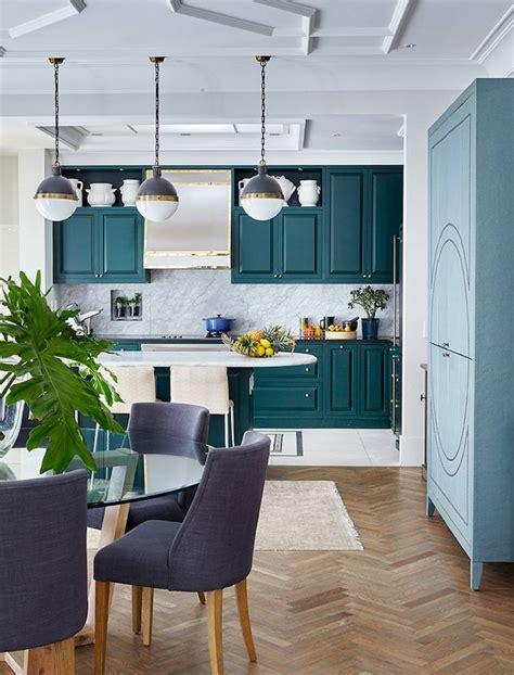 cuisine bleu pastel cuisine bleu canard et bois pour se plonger dans dynamisme