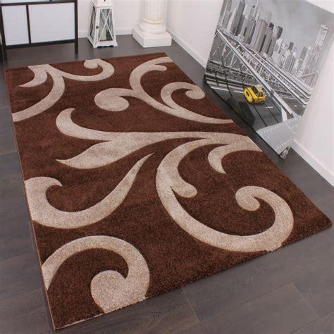 designer teppich mit konturenschnitt modern braun beige wohn und schlafbereich designer teppiche