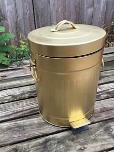 Christy, Robbins, Gold, Trash, Can