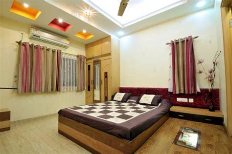 plafond de chambre le faux plafond suspendu est une déco pratique pour l