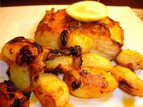 cuisine portugaise morue au four recette de morue au four et ses pommes de terre bacalhau