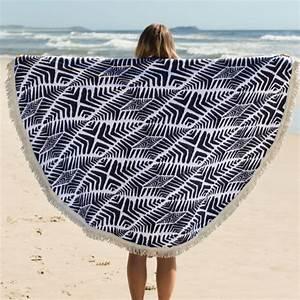 Serviette Ronde Eponge : coup de coeur une serviette ronde pour la plage june sixty five blog mode ~ Teatrodelosmanantiales.com Idées de Décoration