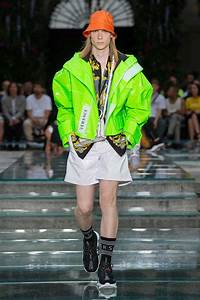 versace summer 2019 s collection the beep