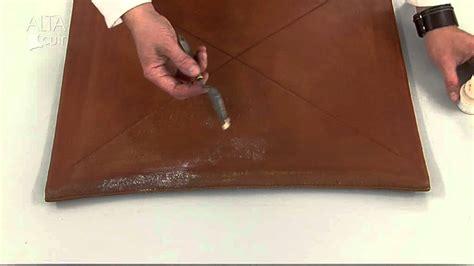 comment reparer un canape en cuir dechire comment r 233 parer un canap 233 en simili cuir d 233 chir 233 de conception de maison