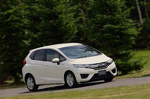 2014 Honda Jazz    2015 Honda Fit