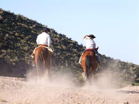 argentina riding horse gauchos destinations estancias