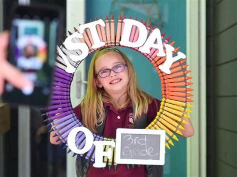 diy reusable   school photo frame hgtv