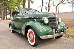 1937 Pontiac Silverstreak
