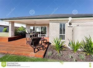 entree exterieur maison moderne With entree exterieure maison contemporaine 11 couleur de facade moderne obasinc