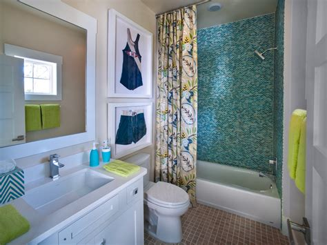 Not all rooms have perfectly even four walls and sometimes you just have to work with what you've you can diy your own by using old drawers or crates. 2017 Bathroom Wall Decoration And Color Ideas #15125 | Bathroom Ideas