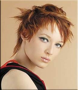 Coupe Carré Visage Rond : coiffure coupe courte destructur e visage rond femme ~ Melissatoandfro.com Idées de Décoration