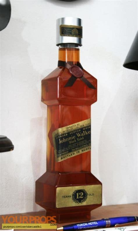 runner blade walker bottle whisky johnnie replica prop movie