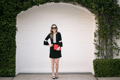 What To Wear To A Family Holiday Party
