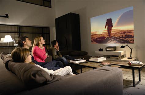 distance ecran videoprojecteur canapé un grand écran de cinéma dans votre petit salon darty