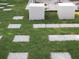 Beton Im Garten : design beton w rfel steine im garten shop ~ Markanthonyermac.com Haus und Dekorationen
