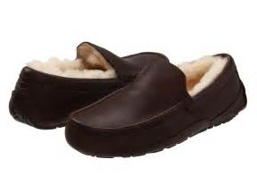 ugg mens slippers ascot sale ugg ascot leather at zappos com