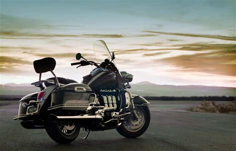 2009 Triumph Rocket Iii Touring Wallpapers