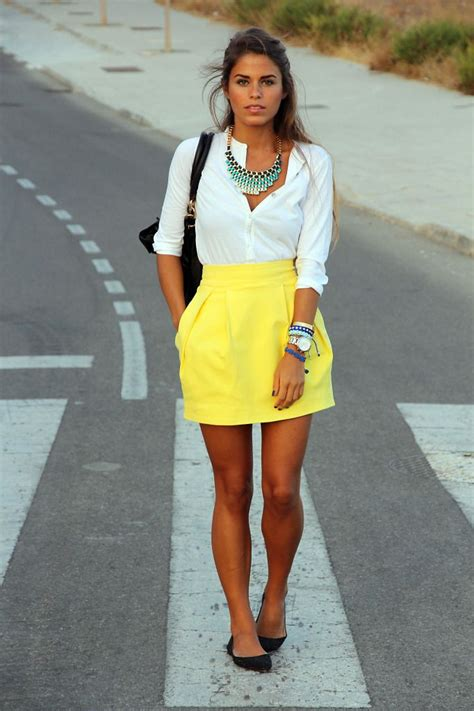 Best 25+ Yellow skirt outfits ideas on Pinterest | Yellow midi dress Can blonde hair dye be ...