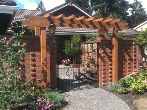 Outdoor Trellis by Green Works Design