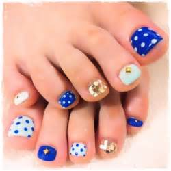 Childishly easy toe nail designs