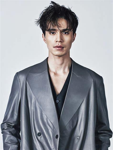 hottest korean male actors