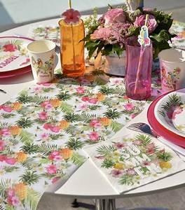 Deco Table Tropical : chemin de table jetable style tropical en tissu drag e d 39 amour ~ Teatrodelosmanantiales.com Idées de Décoration